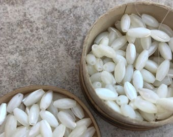 Antique Mother of Pearl beads  MOP natural bead 24 beads 1920s