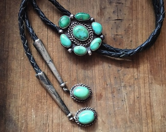 Old Pawn Navajo bolo tie green turquoise cluster with turquoise tips Native American bolo necklace