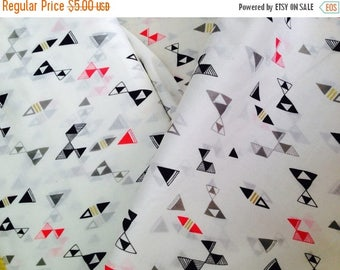 last call Voile Organic fabric by Cloud9 and Lisa Congdon - Snap Reverly in Voile  - 1/2 Yard