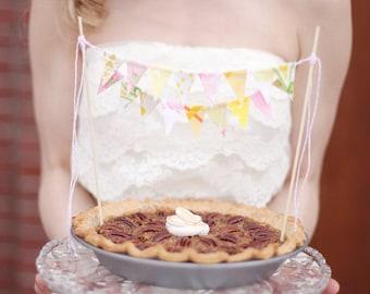 Cake Bunting Topper, Cake Garland, Rustic Cake Topper, Garden Cake Topper Wedding, Shabby Chic Cake Topper, Cake Banner, Cake Flag Topper