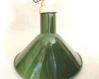 Vintage Barn Lamp, Green Enamel Factory Lamp, Single Shade, Industrial Lighting, Hanging Ceiling Fixtures, Wall Mount, Rustic Cabin Decor