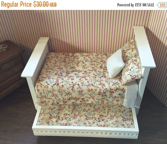 SALE Beautiful Miniature Dressed Trundle Bed, White With Floral Print Bedding, Dollhouse Miniature,  1:12 Scale, Dollhouse Furniture, Mini B