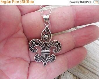 ON SALE Fleur de lis necklace handmade in sterling silver