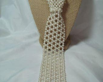 1960s Made in Hong Kong white Faux Pearl Necktie Necklace.