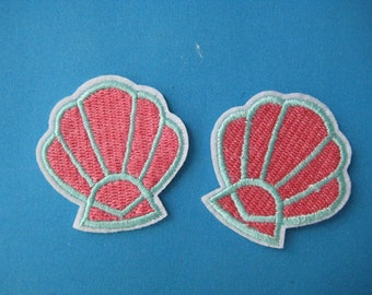 SALE~ 2 pcs Iron-On embroidered Patch Sea Shell 1.7 inch