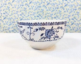 Vintage Pretty Indies Sugar Bowl Johnson Bros Blue White Colonial Indian Design