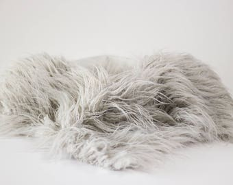Light Gray Faux Flokati Fur, Fur Blanket, Photography Prop, Faux Fur Rug, Newborn Fur, Newborn Baby Photography