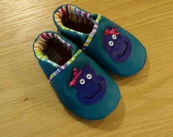 Baby girl pink hedgehog shoes size 5/ 12-18 months