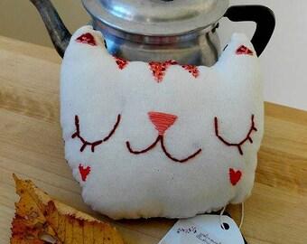 Fabric cat to hang