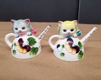 Vintage Cat in a Teapot Salt and Pepper Shakers