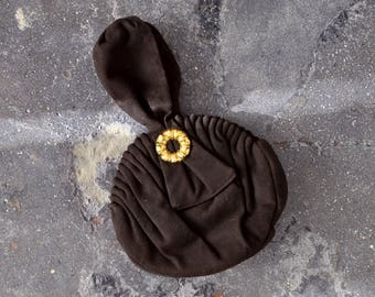 1940's brown circle bag. wristlet. 40's wool bag. Pleated. Gold. round.