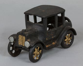 Ford Model T Coupe toy car Cast-iron 5 1/2 inches long Excellent condition