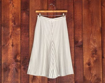 Vintage 1970s Culottes / Black and Ivory Pinstripe Double knit Graff Culottes / Vintage Wide Leg Pant