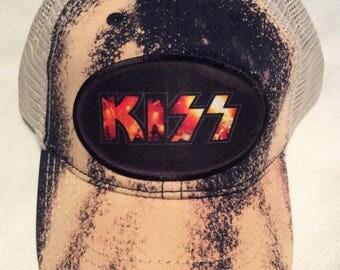 Kiss bleached Trucker cap