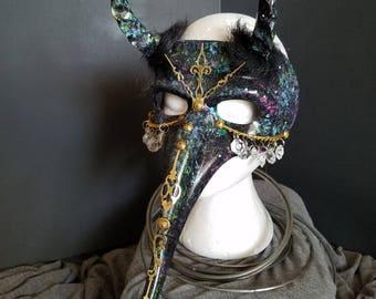Star child -horned mask
