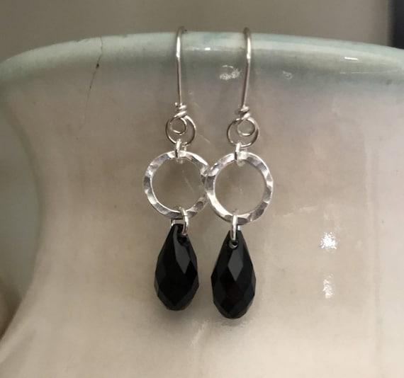 Silver circle with black drop, Swarovski crystal, black, round,hammered, circle, fine silver hoop