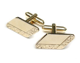 vintage etched gold tone cuff links • rounded rectangles