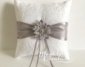 Ring pillow,wedding pillow,ring bearer pillow,ring cushion,silver ring pillow,wedding ring pillow,ring holder,wedding ring holder.