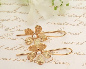 SALE - Bridal Gold earrings, Pearl earrings, vintage earrings, Bridesmaids earrings, bridesmaid gift, bridal pearl earrings, bridal jewelry
