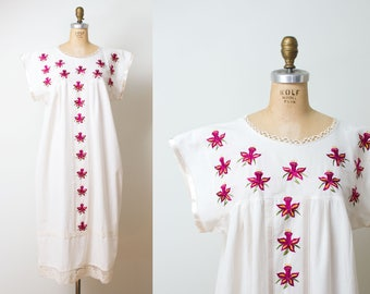 Vintage Mexican Embroidered Dress / Cotton Caftan