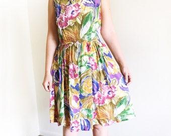 Vintage Floral Fit and Flared Cotton Dress / 90's Vintage Dress / S M / Summer dress