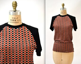SALE Vintage 90s Black Tee Shirt Size Large 90s Minimalist Shirt Textured Jacquard 90s Club Kid Shirt