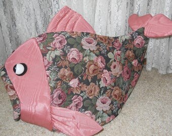 Fish Shaped Pet Bed Rose Tapestry Fabric