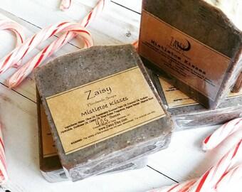 Mistletoe Kisses Soap, Holiday Beauty, Gift Ideas, Christmas Scented, Alkanet Root Natural Colorant, Handmade Skincare