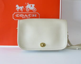 Authentic Coach Pocket Penny Bone Leather Crossbody Shoulder Bag Clutch