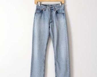 vintage 501 Levi's jeans, high waist light wash denim, 28 x 31