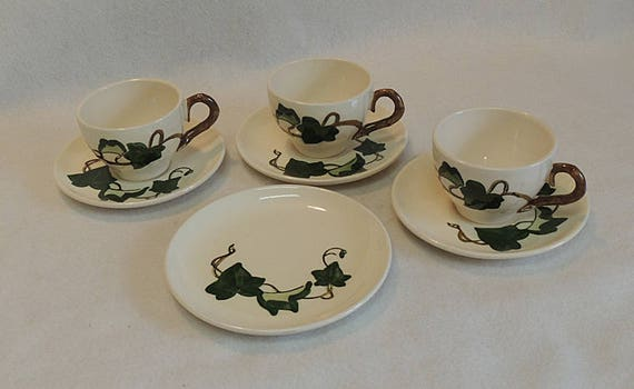 7 Pieces Vintage Metlox Poppytrail California Ivy Pottery.. 3 Cups & Saucers, 1 Plate