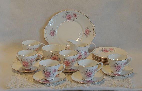 21 Pcs Dessert Tea Set.  Duchess Bone China England.. Pink Roses Gold Trim