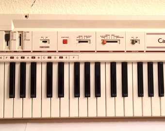Vintage Eggshell White Casio CT-102 CT102 Synthesizer Keyboard Synth Organ