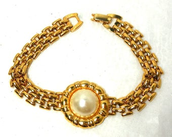 Bracelet Pearl Cabochon and Gold Chain Vintage 7.25 inches Retro Style Chic Garden floral  Gift