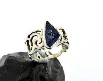 sterling silver ring raw sapphire  stone ring rough sapphire ring lace band ring cutout floral design blue sapphire  artisan ring size 6 1/4