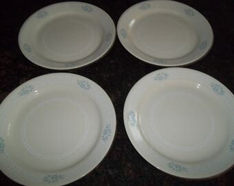 """4 Lace Bouquet Dinner Plates 10 1/4"""", Made in the USA"""