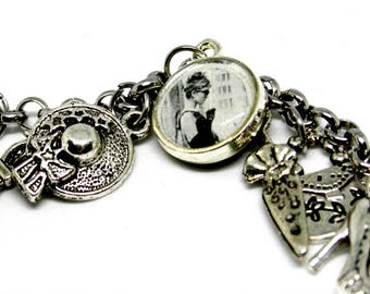 Bracelet with resin pendants * AUDREY HEPBURN and BREAKFAST at TIFFANY'S *
