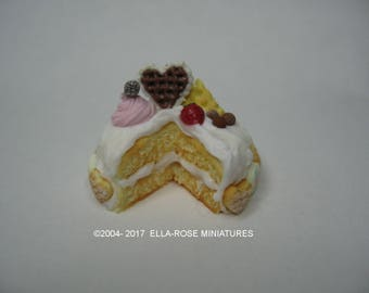 White Iced Spong Cake 12th scale miniature