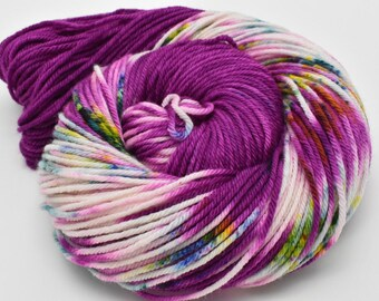 Oscar Worsted, Hand Dyed Yarn, worsted weight, superwash merino, The Right Stuff