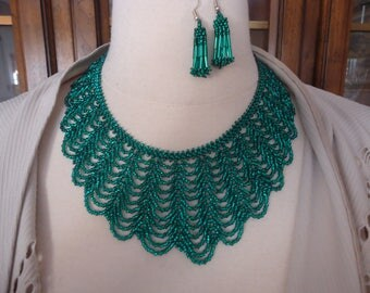 Vintage Hand Beaded Emerald Green Scalloped Necklace and Pierced Earring Set