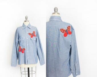 Vintage 1970s Chambray Shirt - Blue Button Up Butterfly Calico Appliqué embroidered - Medium / Small