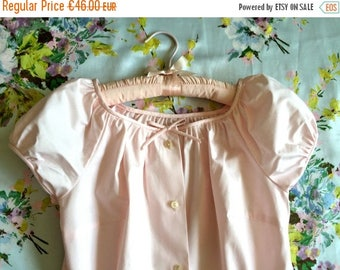 ON SALE Vintage 50s pink top puffy sleeves blouse S M