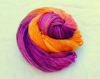 Hand dyed SW Merino, Cashmere, Nylon fingering wt yarn, 460 yds