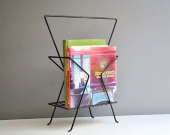 Atomic Metal Magazine Rack with Handle