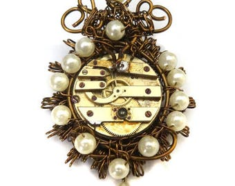 Brooch unique, baroque and steampunk, the Marquise de the Cog