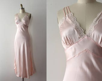 vintage 1930s slip // 30s 40s pink slip with lace