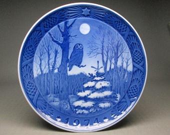 Royal copenhagen Christmas plate 1974 Winter Twilight , blue