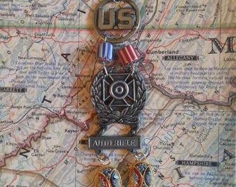 USA MEDAL PATRIOTIC vintage antique assemblage bracelet