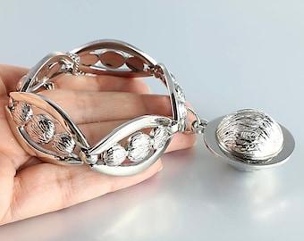 Monet charm Bracelet, Chunky Modernist Bracelet, Silver Walnut Shell, 1960s vintage jewelry