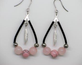 Boucles d'oreilles goutte rose, bijou quartz rose, plume, acier inoxydable, cadeau pour elle, pink quartz earring, boho jewelry